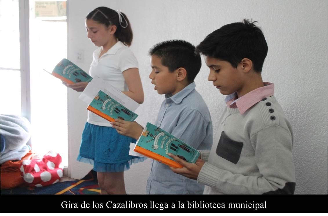 Gira de los Cazalibros llega a la biblioteca municipal