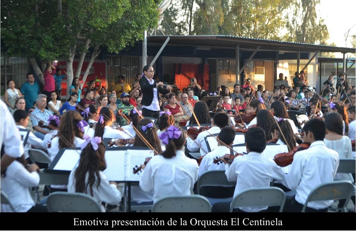Emotiva presentación de la Orquesta El Centinela