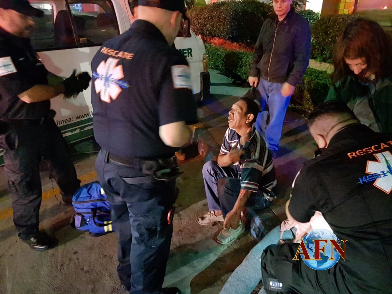 Choque y volcadura, cinco heridos