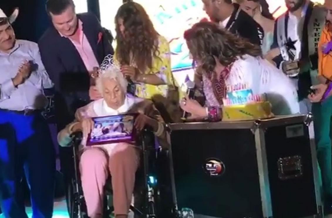 Honran a Abuela de Thalía  por sus 100 años