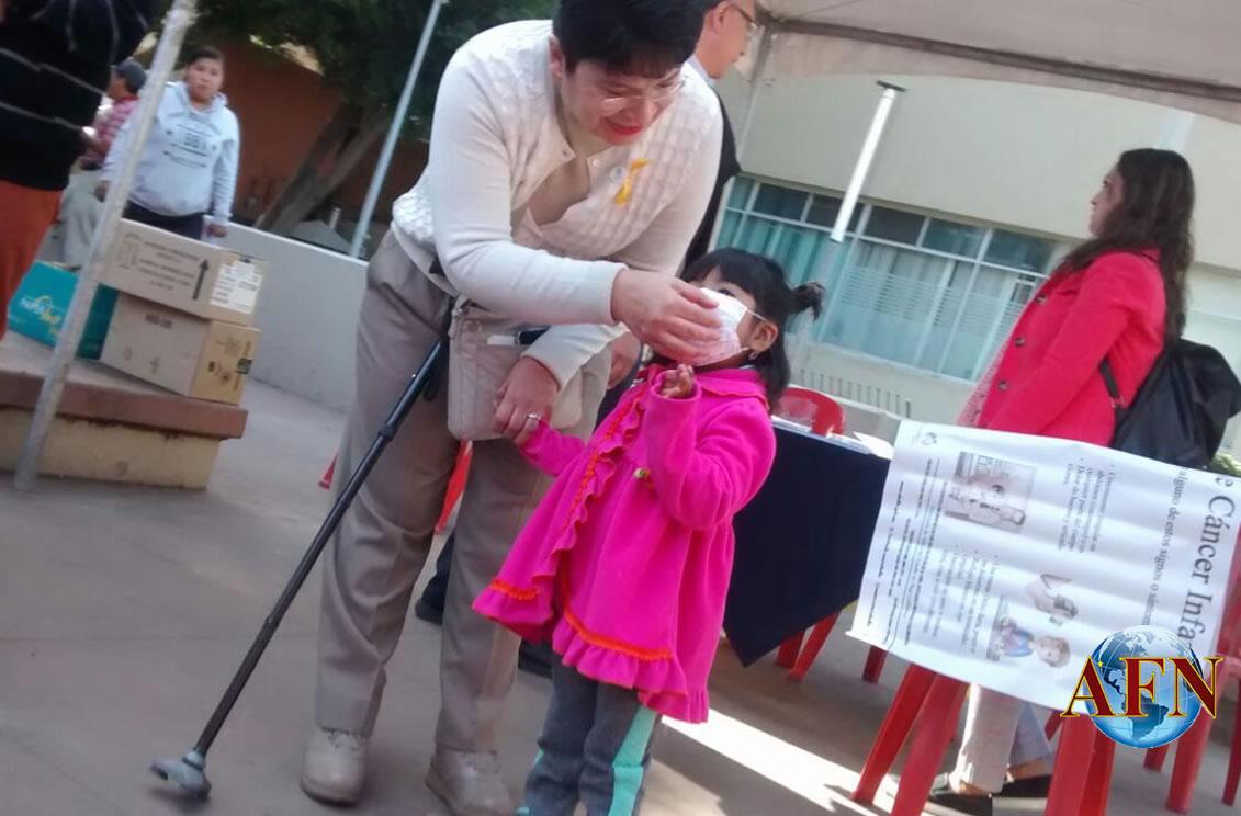 Llevan actividades a niños con cáncer