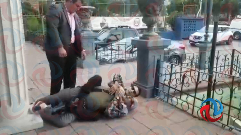 Consejero de Transparencia ataca a persona mayor - VIDEO