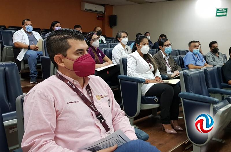 Capacitan a personal de Salud sobre suministro de insumos y medicamentos
