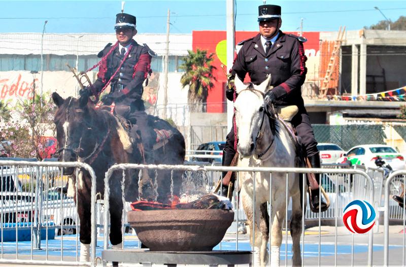 Celebran en Rosarito el Día de la Bandera con desfile y ceremonias