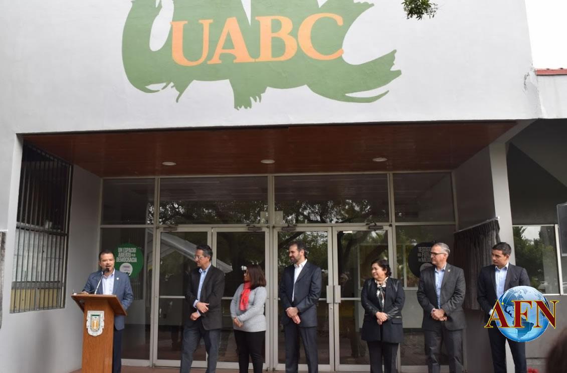Recibe UABC placa del INE