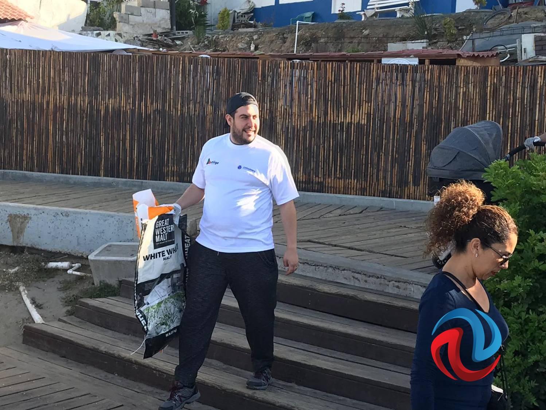 Jóvenes hacen Jornada de limpieza en Playas