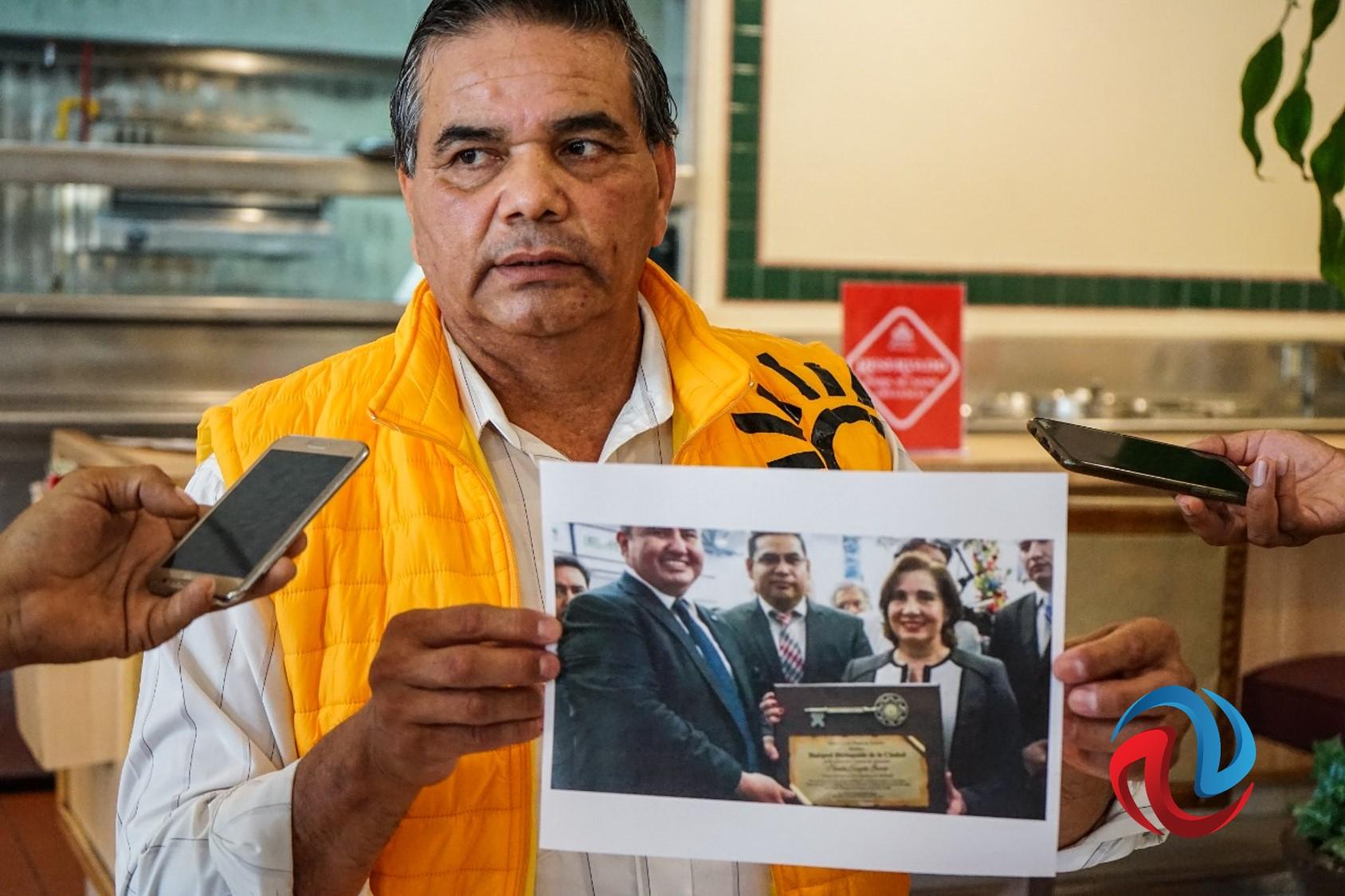 Acusan de nepotismo al dirigente del PRD, piden su renuncia