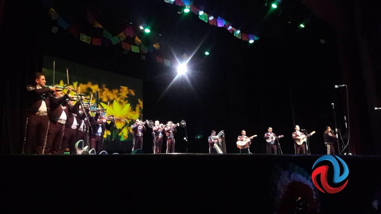 Cuando suena el Mariachi, el mundo canta