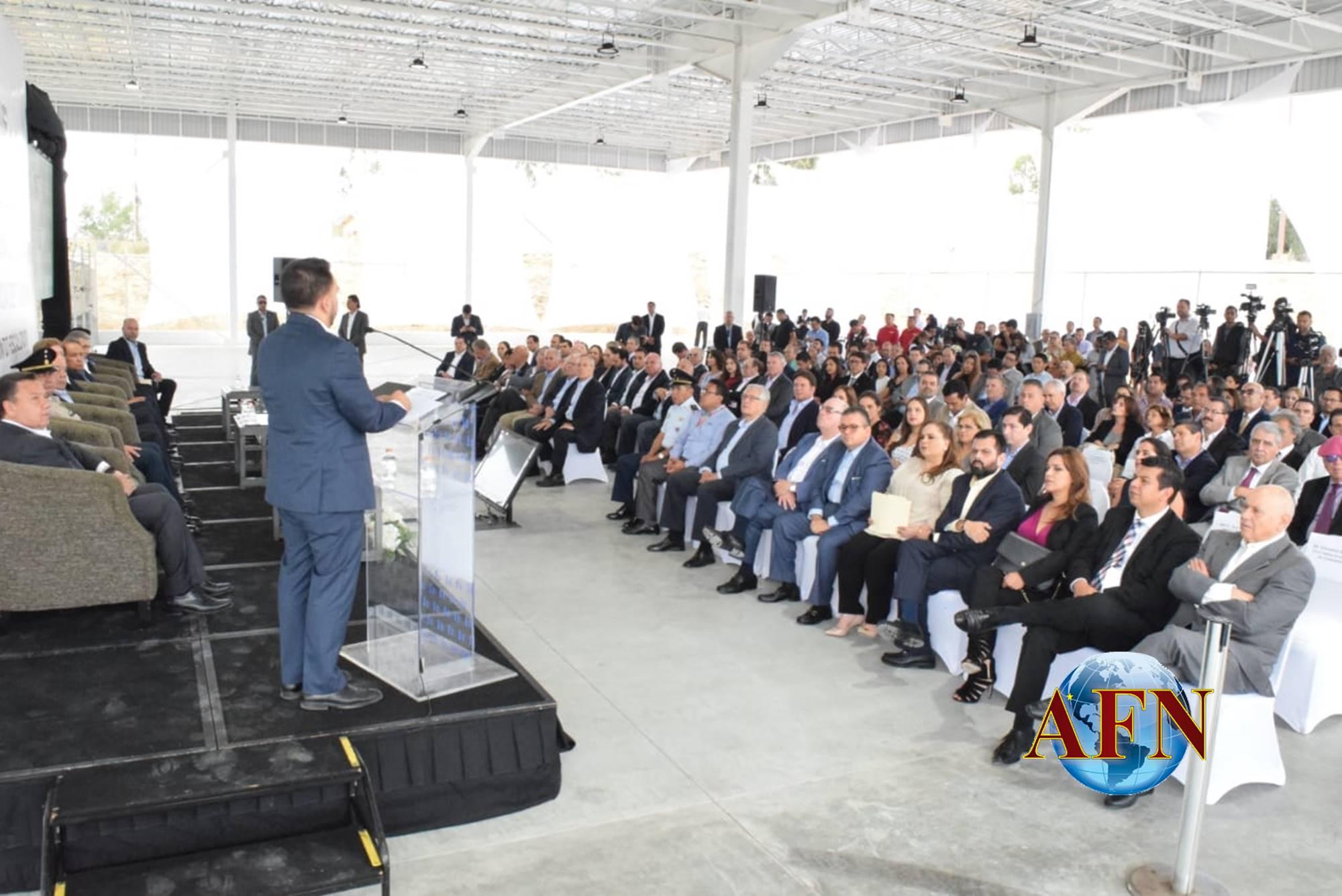 Bustamante exhibe al gobierno municipal