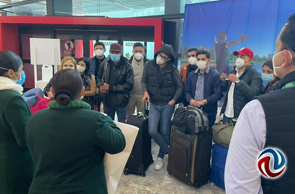 Continúan llegando contingentes de médicos de apoyo a Baja California