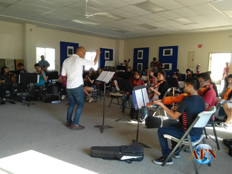 Niños reciben curso de músicos de California