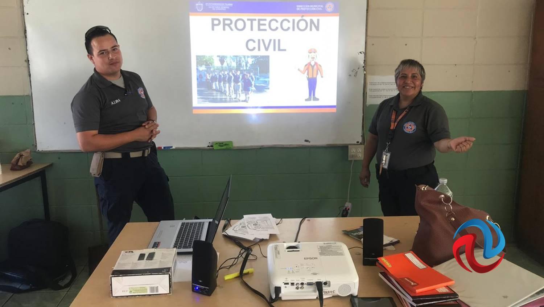 Protección Civil imparte pláticas preventivas a la población