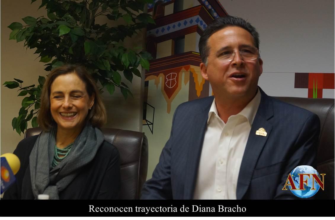Reconocen trayectoria de Diana Bracho