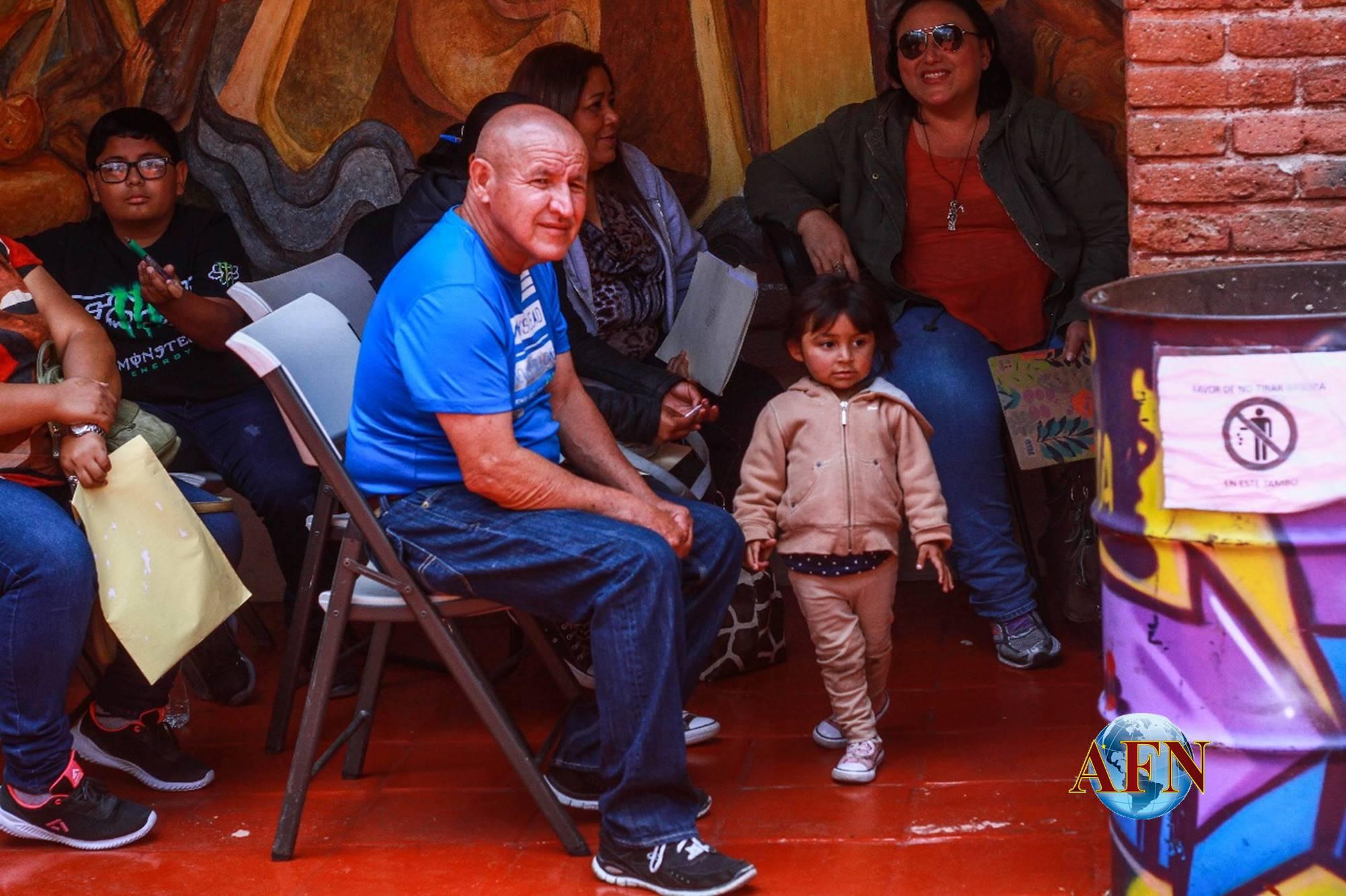 Salvadoreños regularizan estancia en México